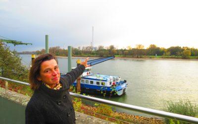 Fußgänger/Radfahrer-Brücke über den Rhein in Wiesdorf