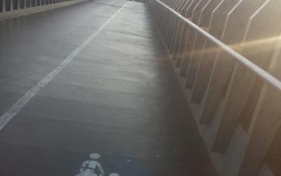 Bahnhofsbrücke allem Anschein nach nicht gestreut!