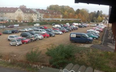 Überraschender Aufschwung von Opladen durch die neu entstandenen 200 kostenlosen Parkplätze auf dem freien Baufeld am Opladener Bahnhof!